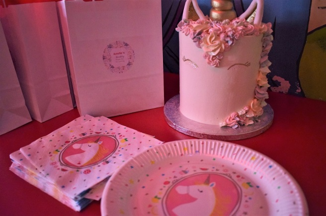 The Greenwich Mummy Blog | Unicorn Cake by DinahsDesserts