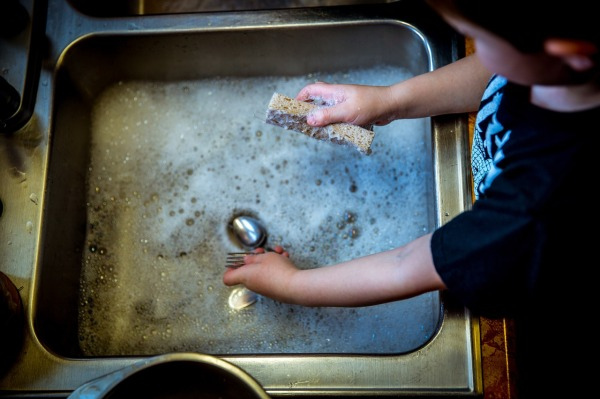 The Greenwich Mummy Blog - Getting kids involved with household chores