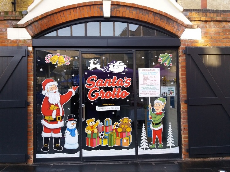 The Greenwich Mummy Blog: The Search for Santa's Grotto in London