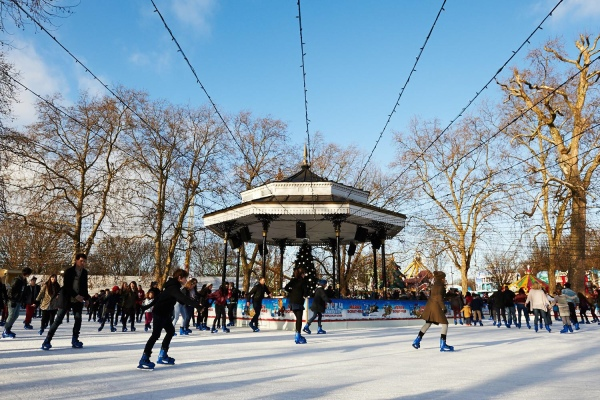 The Greenwich Mummy Blog - Top 5 Magical Outdoor ice rinks in London