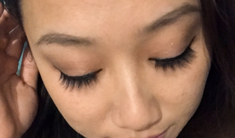 The Wandering Mother Blog | Lolas Magnetic Lashes Amethyst Kit Review